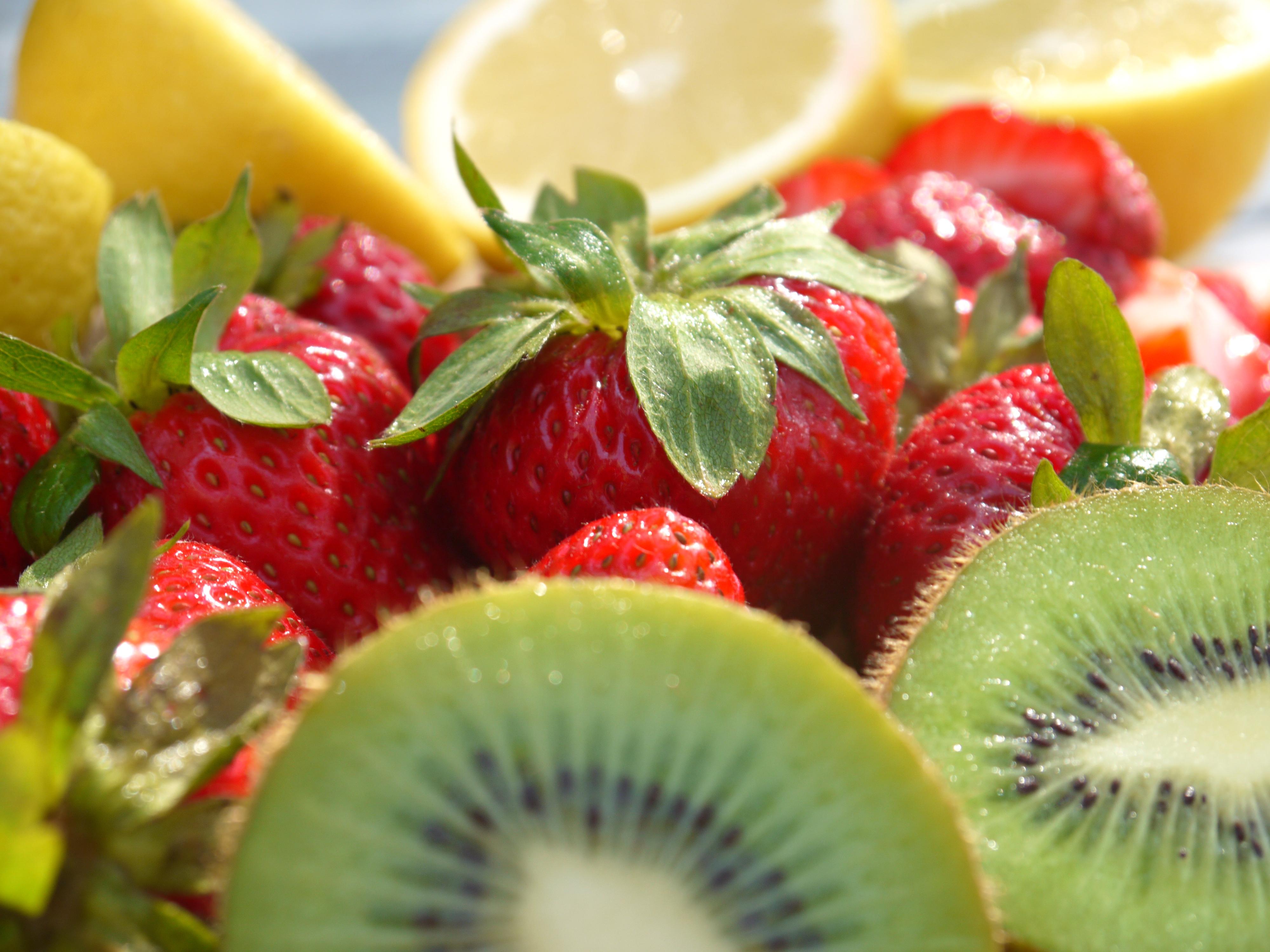Limonada de kiwis y frambuesas