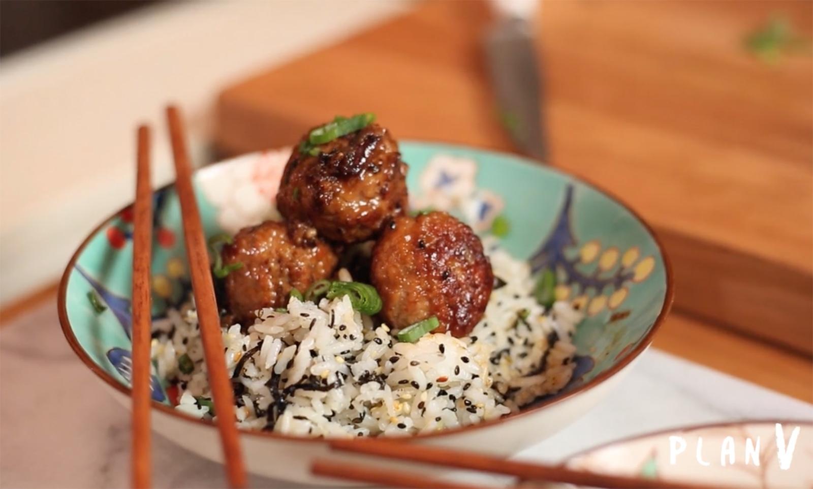 Albóndigas de pavo con arroz al estilo thai