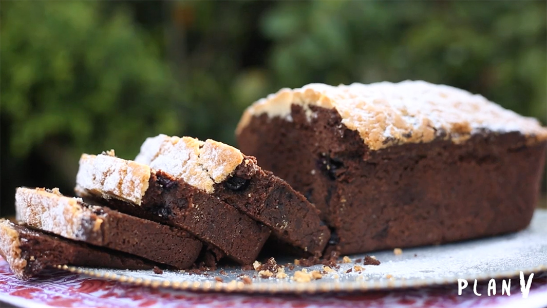 Queque de chocolate arándanos con cubierta de streusel