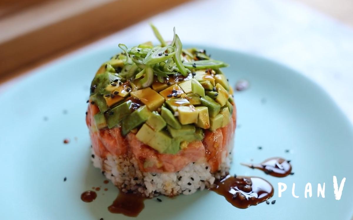 Timbal de salmón con salsa teriyaki