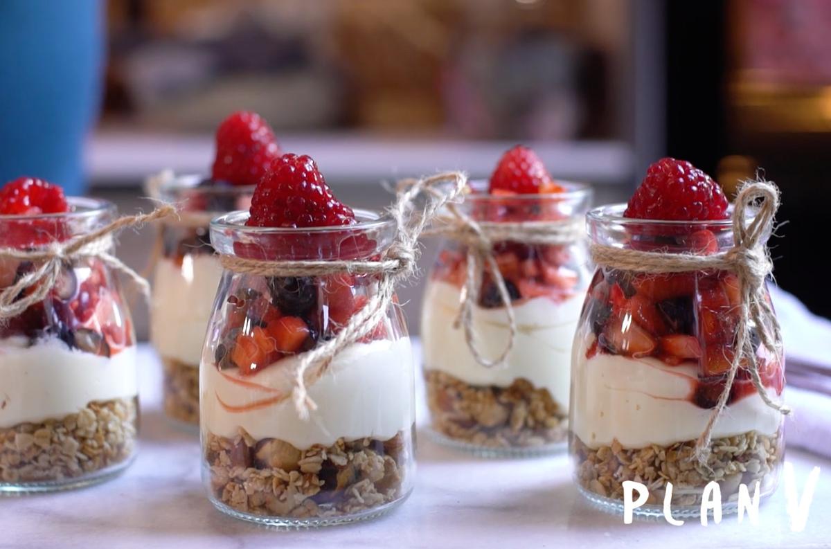 Trifle en vaso con granola casera