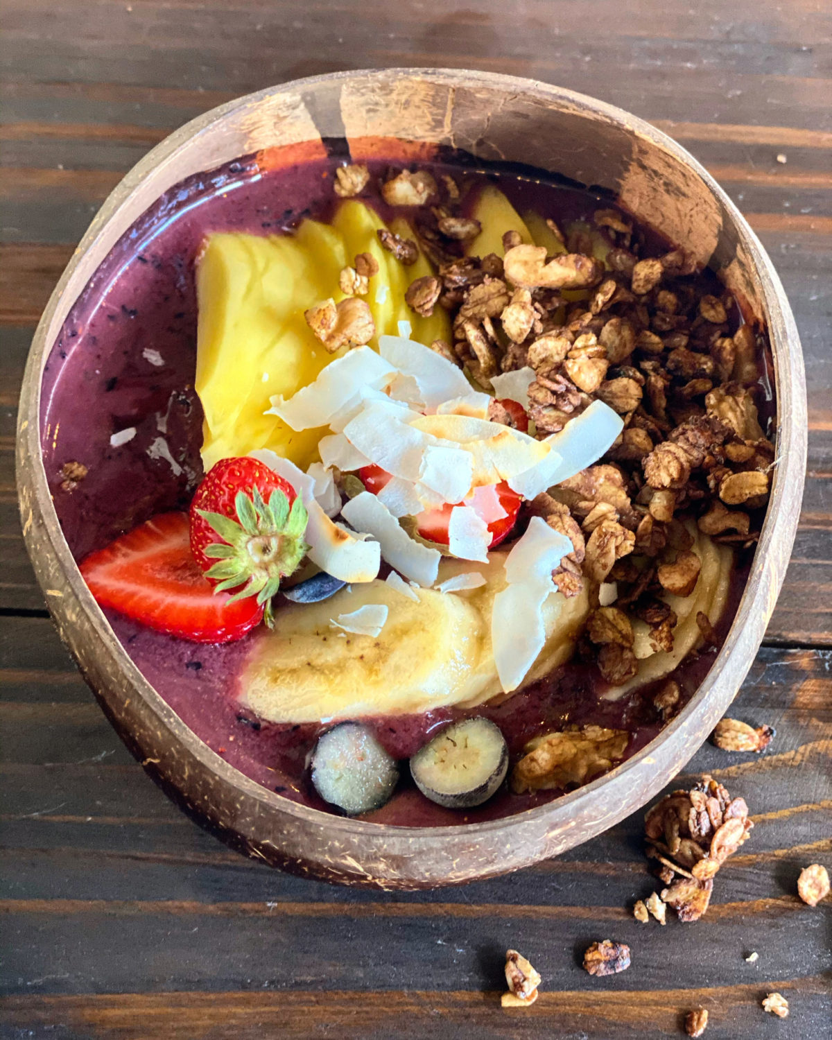 ACAI BOWL CON GRANOLA DE CHOCOLATE
